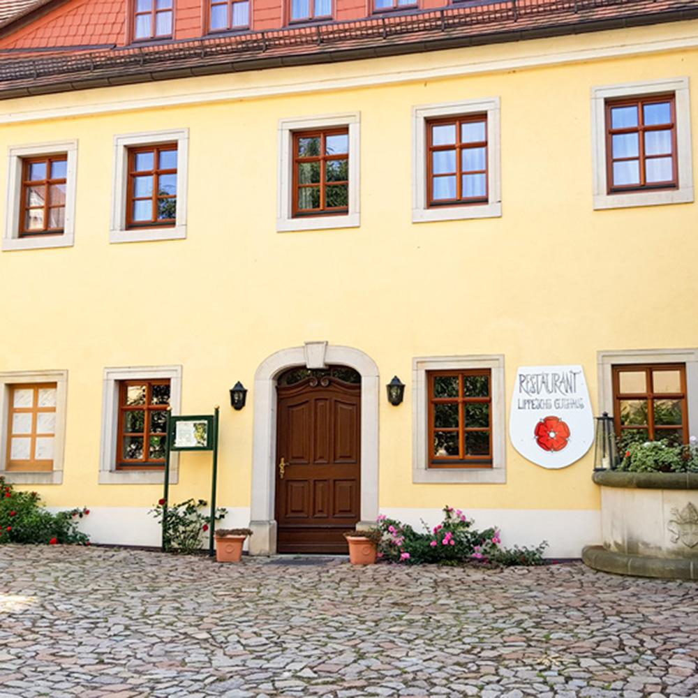 Hochzeit im Weingutshof Schloss Proschwitz