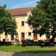 Hochzeit im Weingutshof